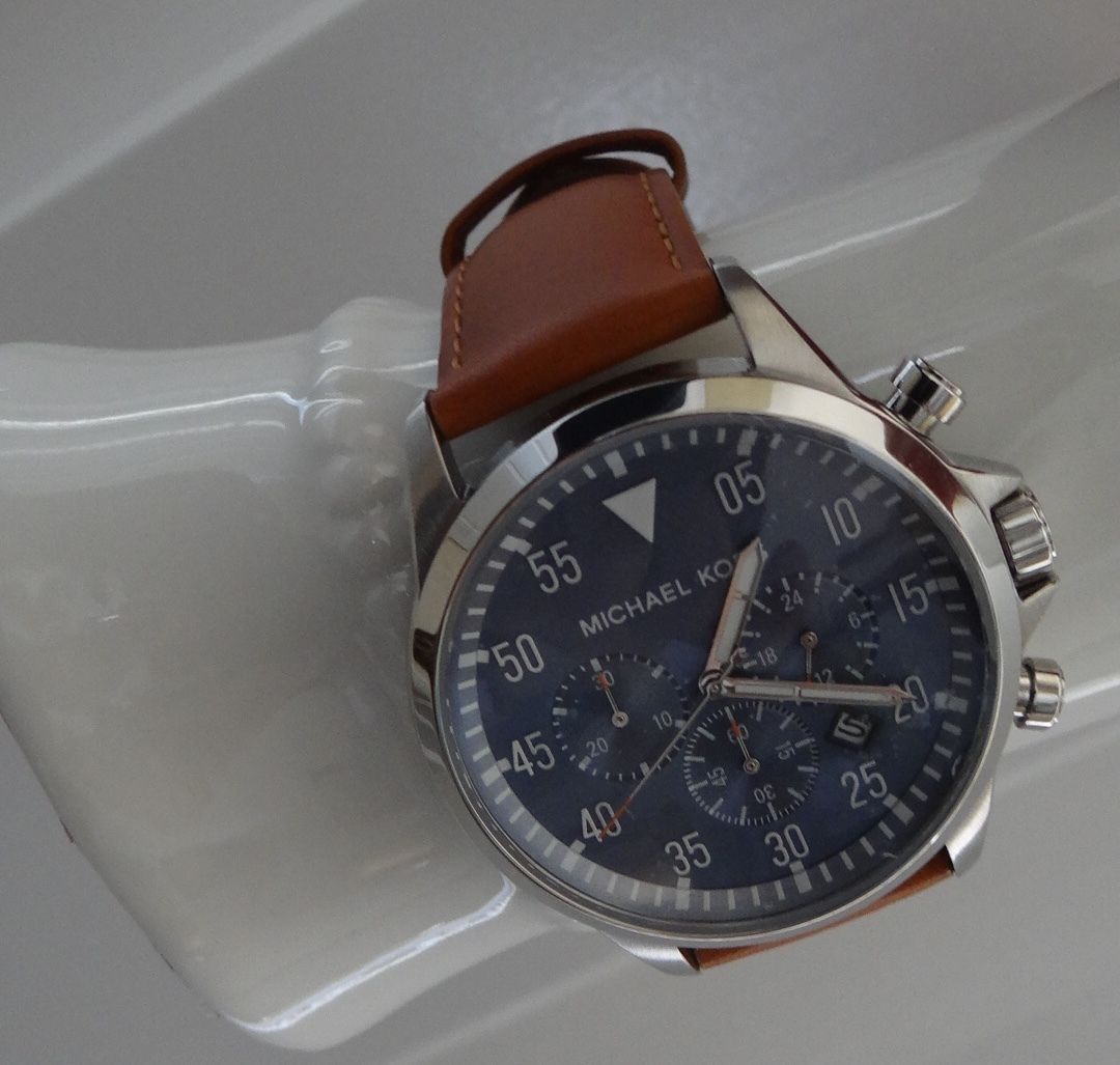 Michael Kors MK8490 Gage Silver Tone Blue Dial Luggage Brown Leather Watch NWT