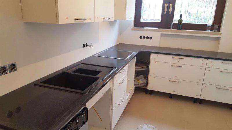 Aufmaß, Lieferung und Montage der #Granit #Arbeitsplatte, Material - arbeitsplatte küche verbinden