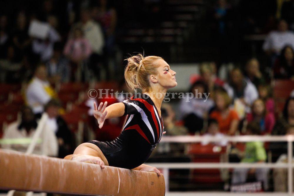 Stacy Bartlett University of arkansas Gymnastics team