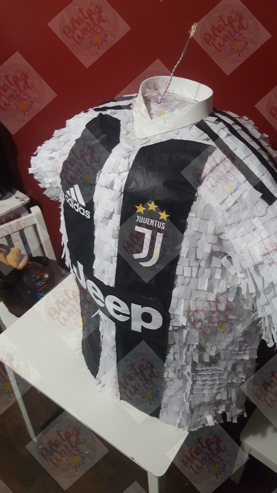 Piñata de Camiseta de soccer// Juventus Decoracion