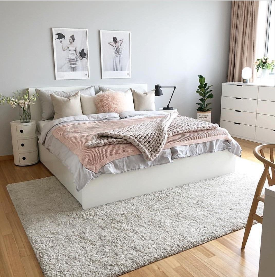 pin von kayla seresun auf home apartment ideas pinterest schlafzimmer wohnen und einrichtung. Black Bedroom Furniture Sets. Home Design Ideas