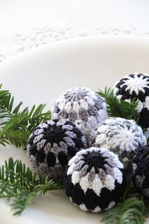 weihnachtskugeln h keln christmas crochet annette diepolder atelierladen anleitung diy. Black Bedroom Furniture Sets. Home Design Ideas