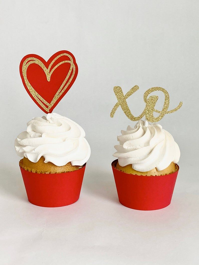 Valentines Day Cupcake Toppers Set Xo Cupcake Toppers Red Etsy In 2020 Valentine Day Cupcakes Heart Cupcakes Cupcake Toppers