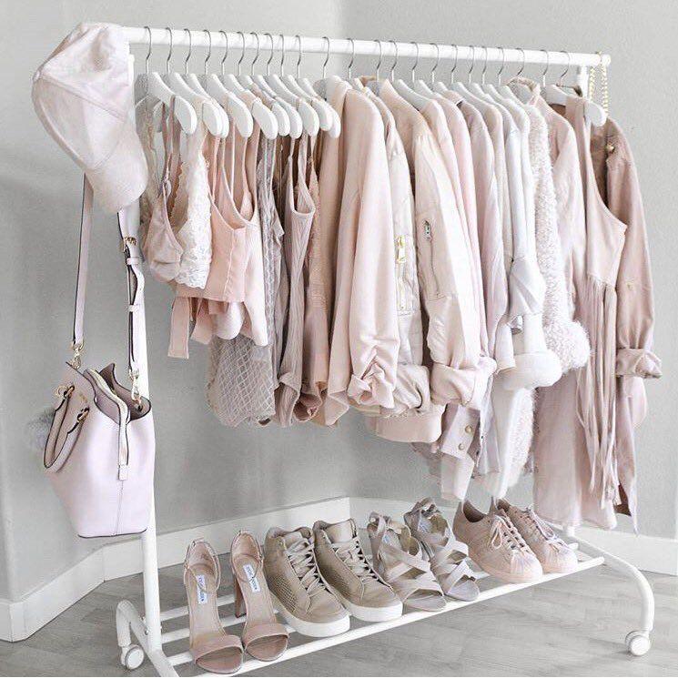 g f girls__outfits  Twitter  Outfits en 2019  Decoracin de dormitorio moderna Armarios habitacion y Dormitorio vintage