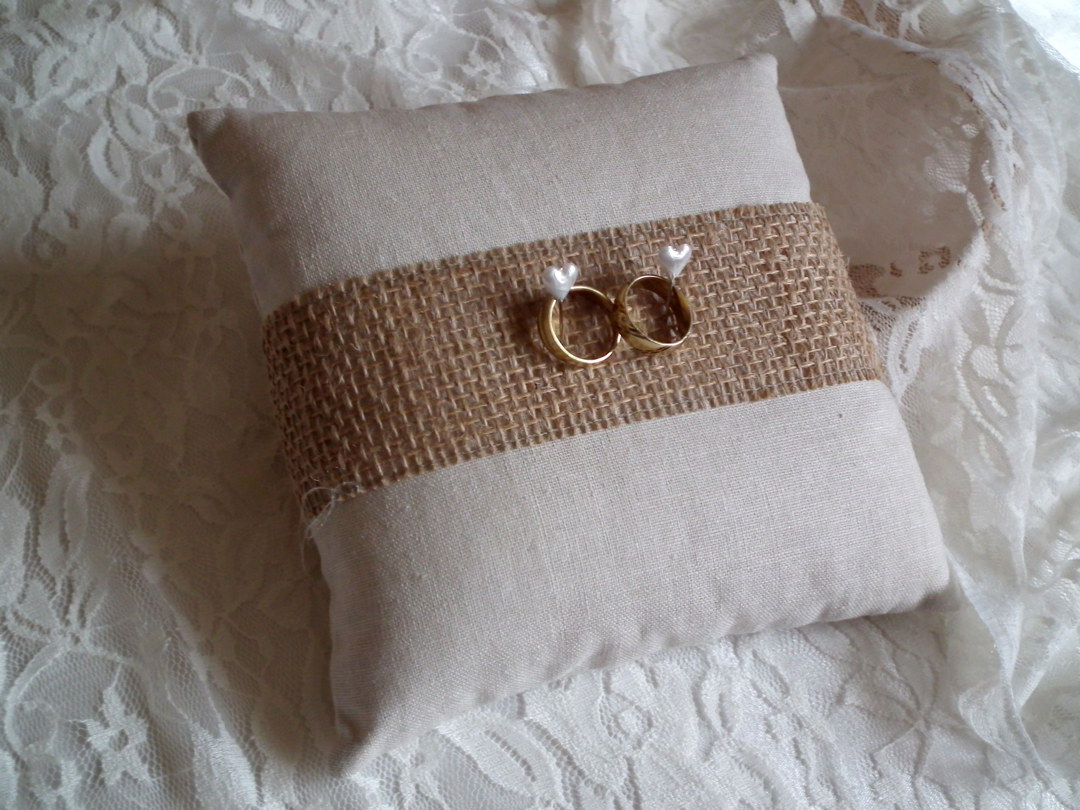 Szerelmes vintage gyűrűpárna szv gombostűkkel ring pillow
