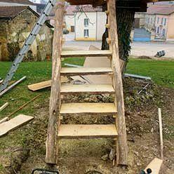 Bâtir soi même une cabane perchée pour 500 €