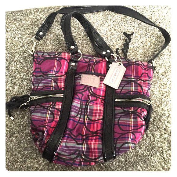 Coach Poppy Purse Excellent condition. Shoulder or hand bag. Coach Poppy Collection. Coach Bags Shoulder Bags