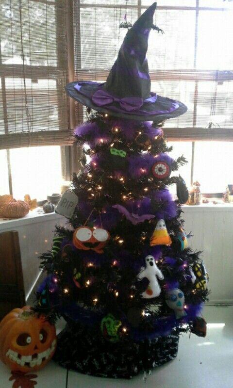 S.Pyle~ my Halloween tree!