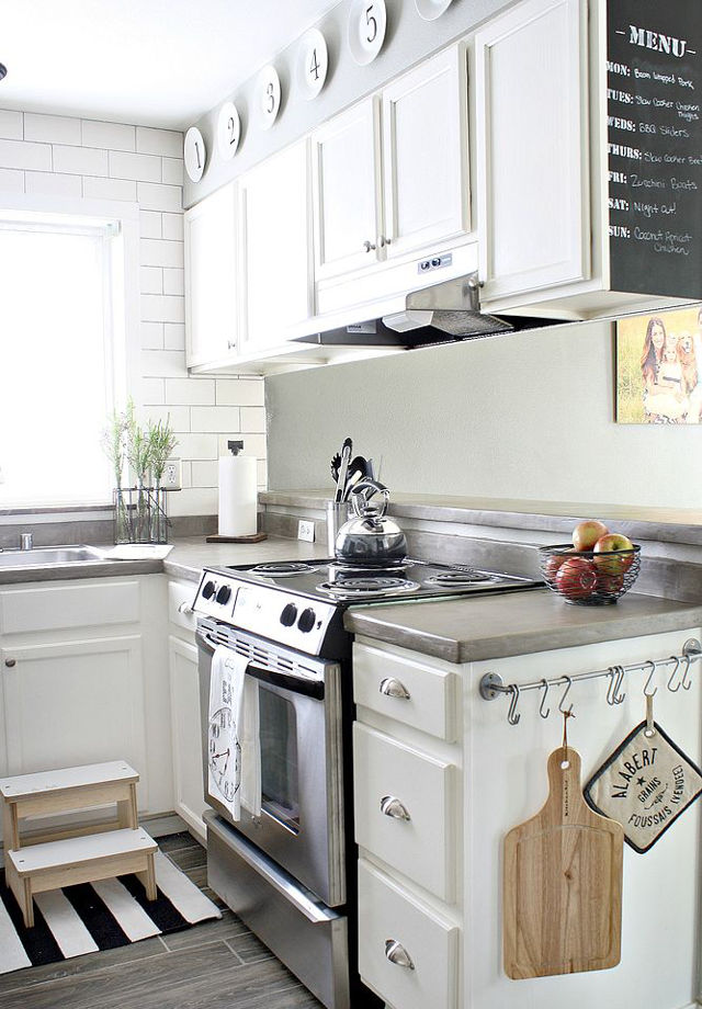 When we came across Taryn's kitchen on Hometalk, we knew the blogger behind Design, Dining and Diapers had put a lot of thought into her kitchen remodel. The layout was perfectly fine for her family's needs, but the style didn't mesh with her design ideas for her home. Take a look to see how Taryn gave her space an upgrade.
