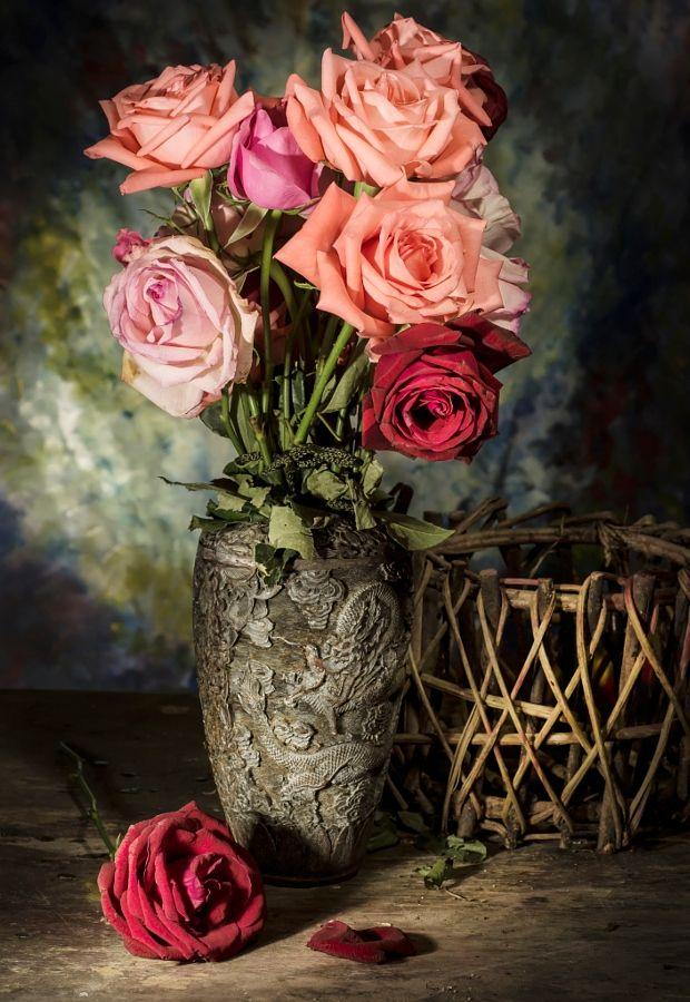 Still Life With Rose Flower By Kamnuan Suthongsa Photo 115157679 500px Still Life Rose Flowers