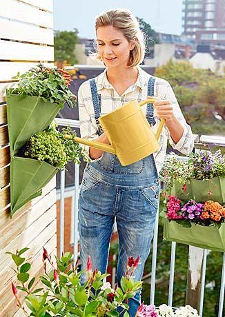 Gartenmöbel: Meine Oase im Grünen   bei Tchibo | Ideas for the