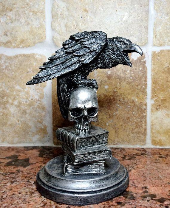 Black Raven on Skull Nevermore Halloween Spooky Decoration Statue Haunted House