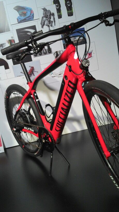 love red frame、、、Specialized Turbo ebike
