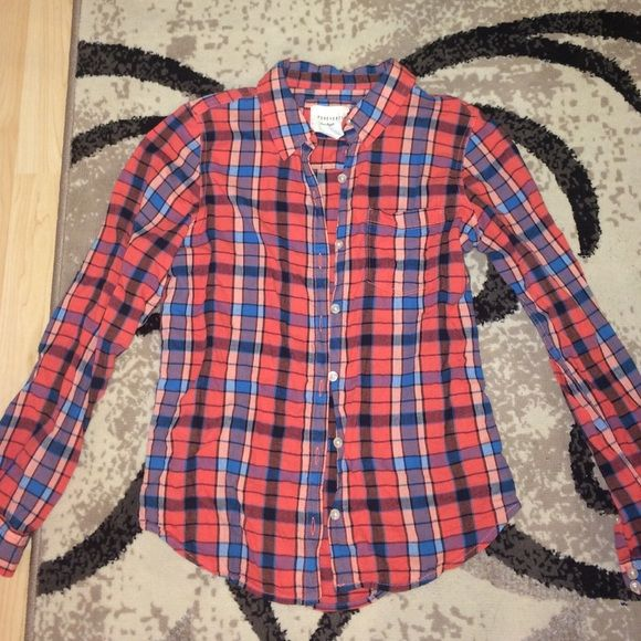 Forever 21 flannel Size small, cotton flannel from Forever 21. Great condition! Forever 21 Tops Button Down Shirts