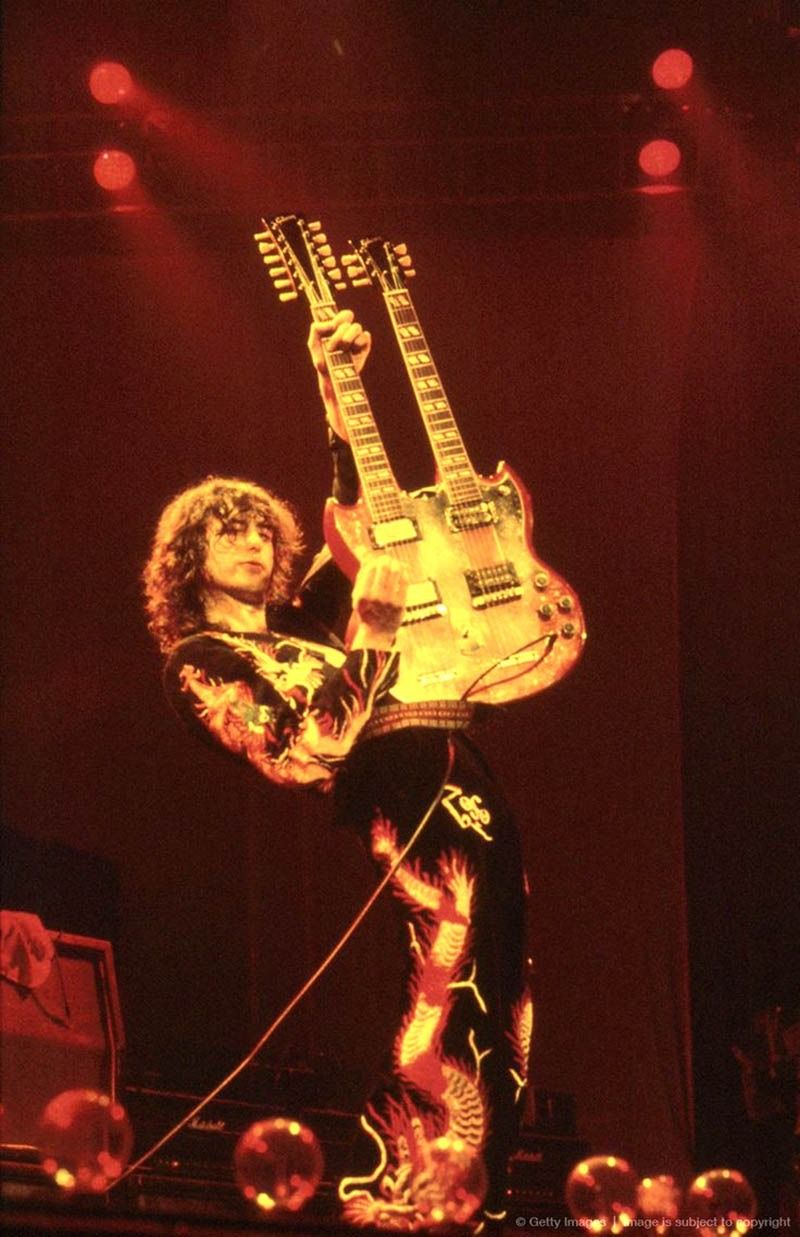 Led Zeppelin Lives Here 10 Very High Quality Pictures Of Jimmy Page Led Zeppelin Led Zeppelin Live Zeppelin