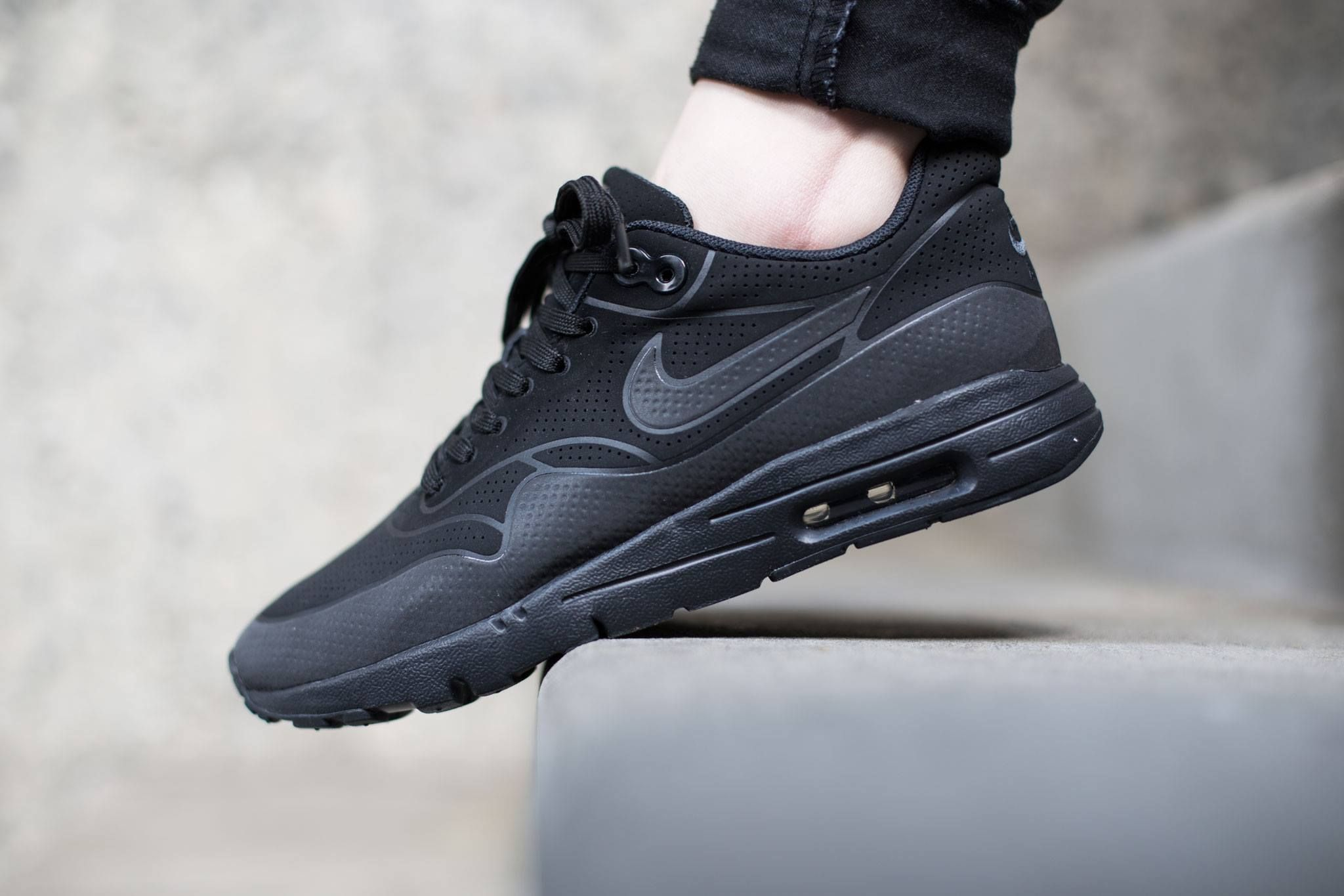 Nike WMNS Air Max 1 Ultra Moire Black/Black-Anthracite: The women's Air Max  1 Ultra Moire is rendered in a minimalist colorway.