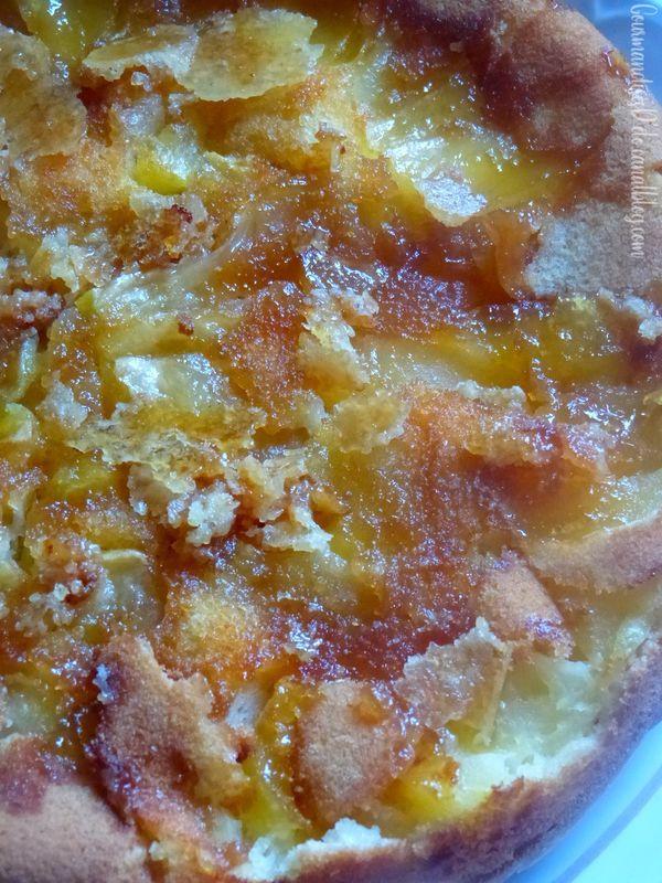 Quatre-quart aux pommes caramélisées façon tatin - Gourmandises Délo #quatrequart