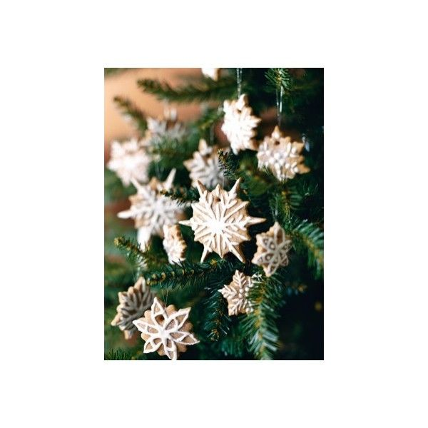 EDIBLE CHRISTMAS TREE DECORATIONS ❤ liked on Polyvore