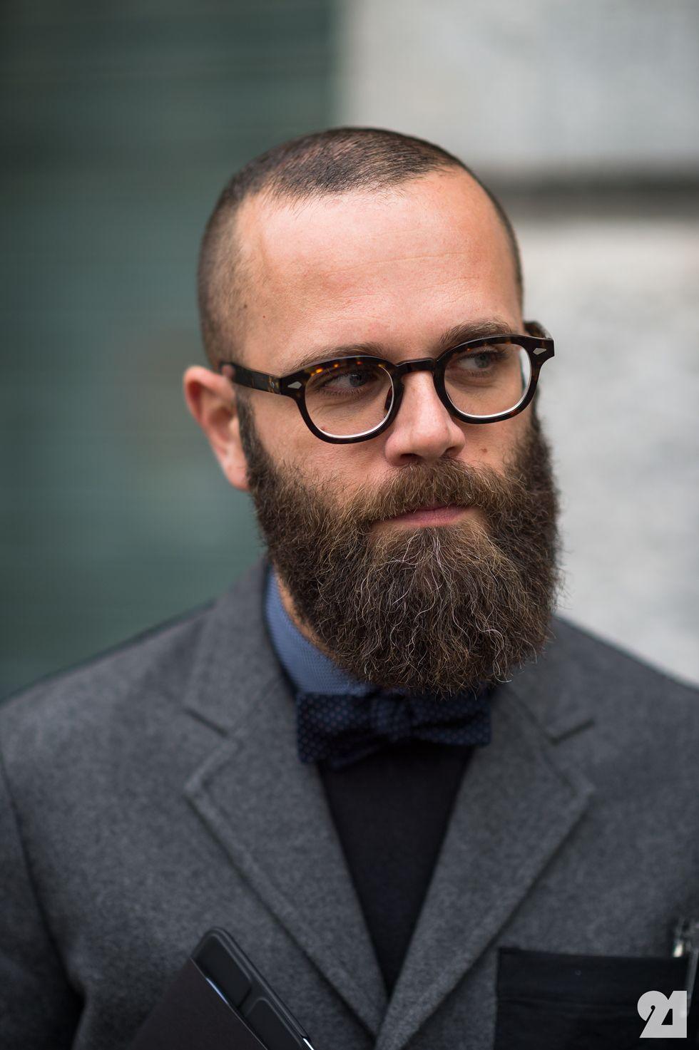 Glasses stylish for bald men fotos