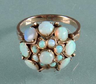 Auktionshuset A/S Prinsessering med opaler