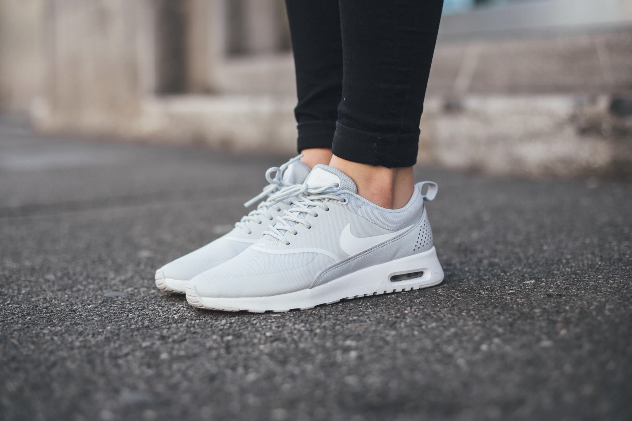 nike air max thea premium stealth platinum white highlights