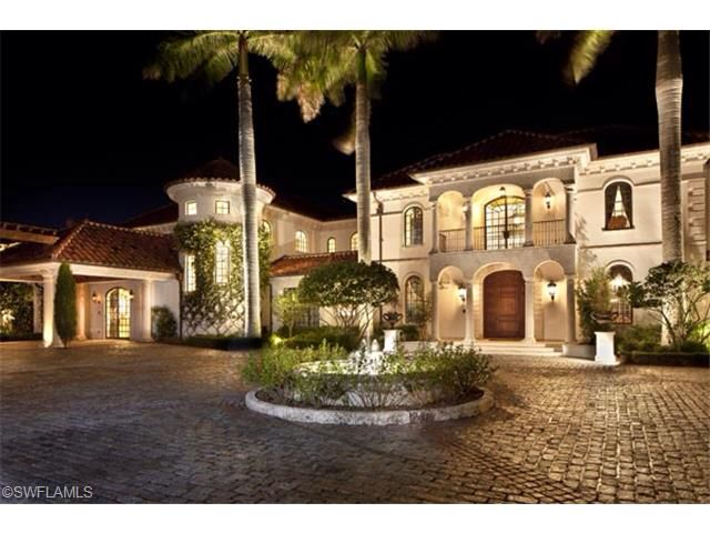 In 2003 Port Royal was designated the master suite the finest in the united states. This Magnificent real estate is for sale. Sitting 14678m² of Living area. ft, 5 bendrooms and 10 bathrooms. It is Located in Florida, United States. Listed by: Amerivest Realty. For further info and pictures please click the link below..  http://www.beyondqueues.com/realestate/port-royal/