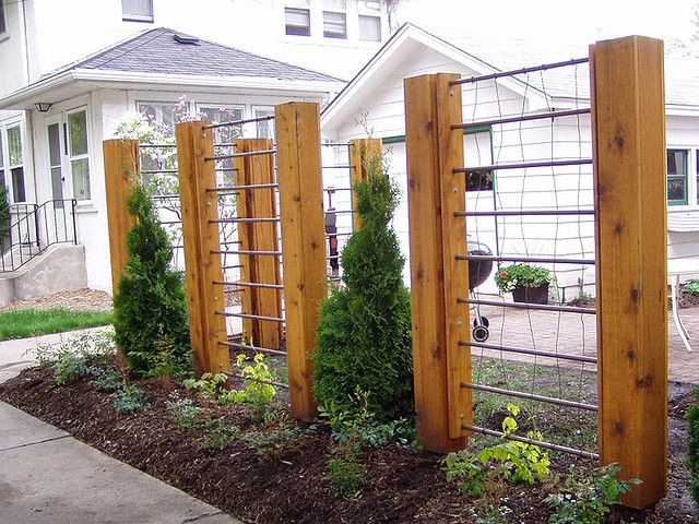 Delightful Wire Trellis Ideas Part - 4: Pipe U0026 Wire Trellis - Awesome! Great Alternative To Privacy Hedge Or Formal  Fencing.