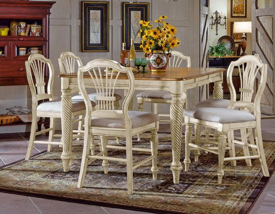 Hillsdale Wilshire Antique White Counter Height Gathering Table Set With 4  Stools