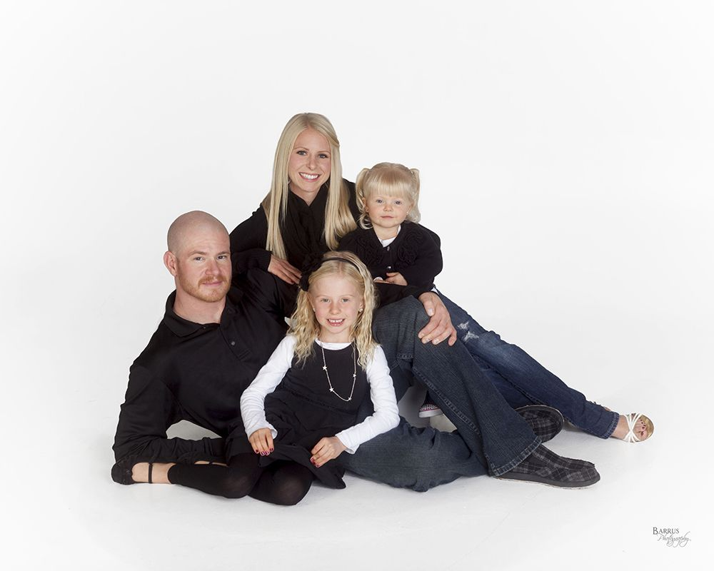 Barrus photography white background family posing family portraits family photos photo tips