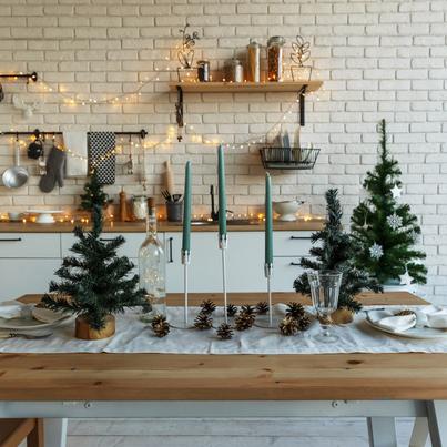 Inspirujace Projekty Kuchni Leroy Merlin Easy Christmas Decorations Simple Christmas Christmas Lights Inside