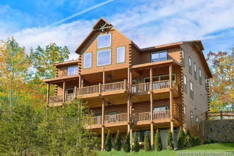 Awesome View Lodge - 11 bedroom cabin that sleeps 50 people! | Large ...