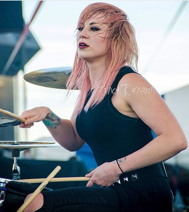 Jen Ledger, Skillet