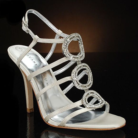 32aadde0ba85 Ivanka Trump Beautiful for any occasion ! These pumps are very comfortable  and stylish! Very