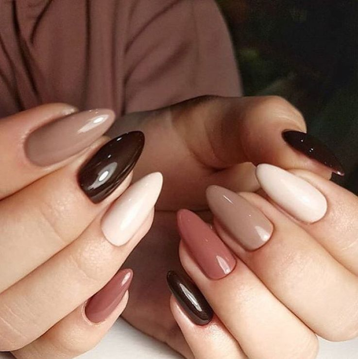 39 Trendy Fall Nails Art Designs 2019 To Look Autumnal And Charming Autumn Nail Art Ideas Fall Nail Art Fa Fall Nail Art Almond Nail Art Dark Nail Designs