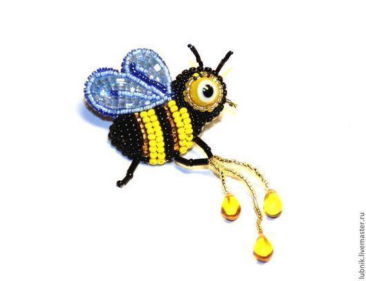 """Броши ручной работы. Ярмарка Мастеров - ручная работа. Купить Брошка-крошка  """"Пчёлка"""". Handmade. Брошь, миниатюра, подарок"""