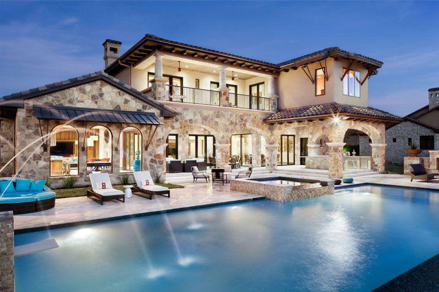 Ville di lusso con piscina case da sogno pinterest for Ville classiche moderne