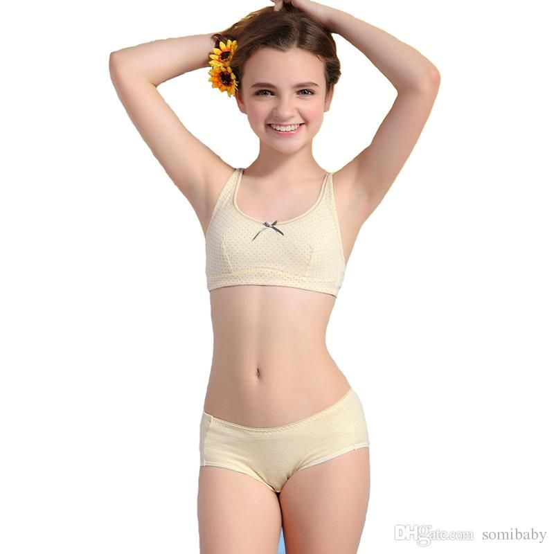 1bc0beacd6208 2016 Girls Puberty Underwear Sets Dot Health Cotton Bra And Matching Pants  S1045 For Girls Penties White Briefs Boys From Lsshupian