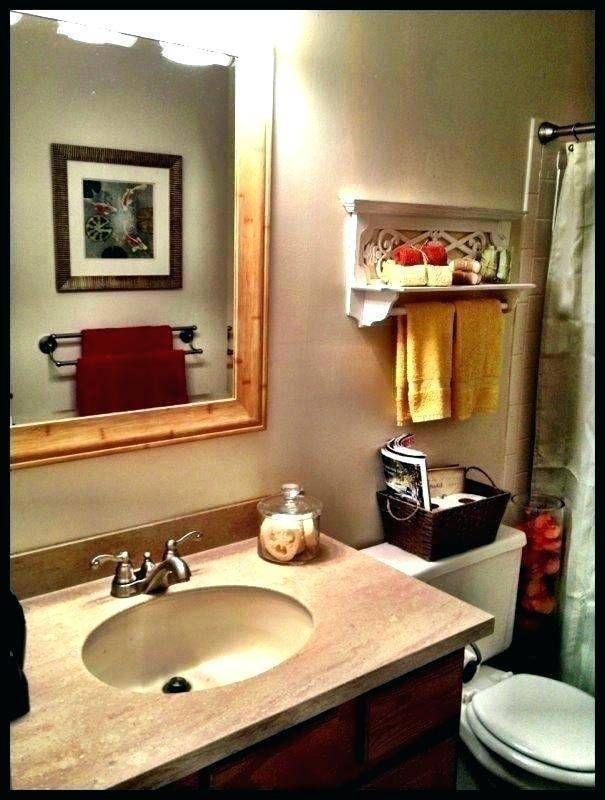Impressive 15 Back Of Toilet Basket In 2020 Bathroom Decor Shabby Chic Bathroom Small Bathroom Decor
