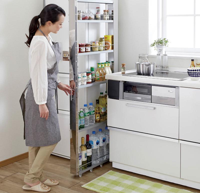 Platzsparend In Der Kuche Tipps Mobel Und Gadgets An Der Spitze Amenagement Appartement Astuce Rangement Cuisine Rangement Cuisine