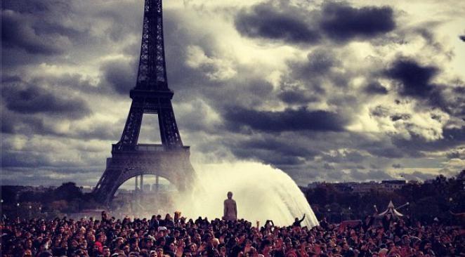Gangnam style : un flashmob géant au Trocadéro