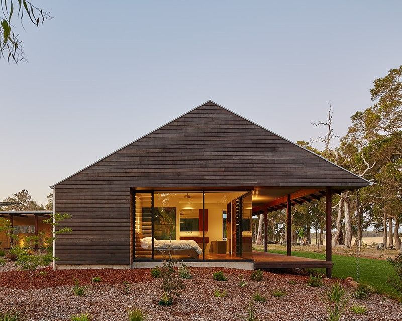 Modern australian farm house with passive solar design for Small modern farmhouse