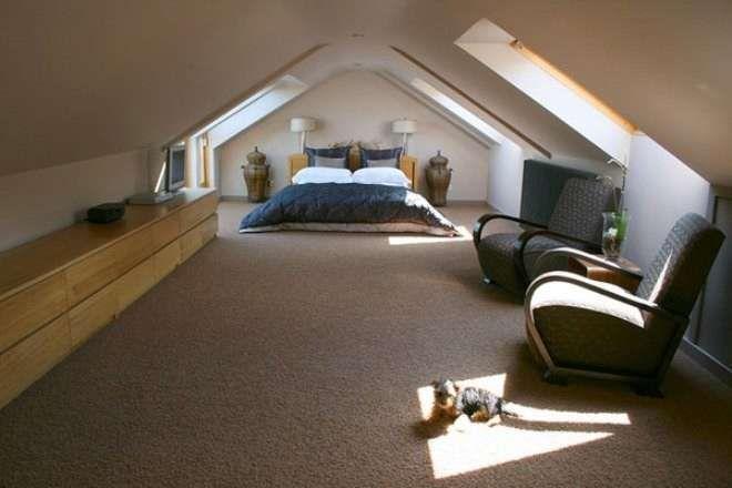 Camera da letto mansardata - Camera da letto mansardata al centro ...