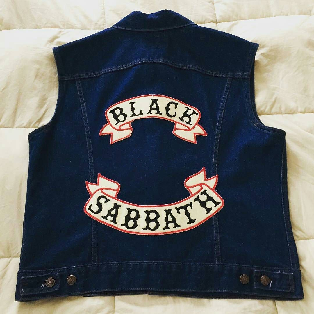Follow @kw3hmd on Instagram: From: @mem_descends -  Time to wear out my colors  it's hot in NY today and a the first day of the season to rep!  #blacksabbath #battlevest #sabbathworship #patch #backpatch #patchgame #riffworship #Regrann