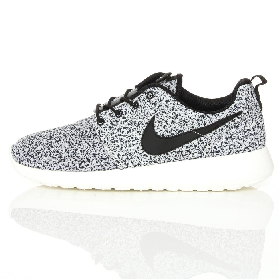 womens nike roshe run white metallic cardstock