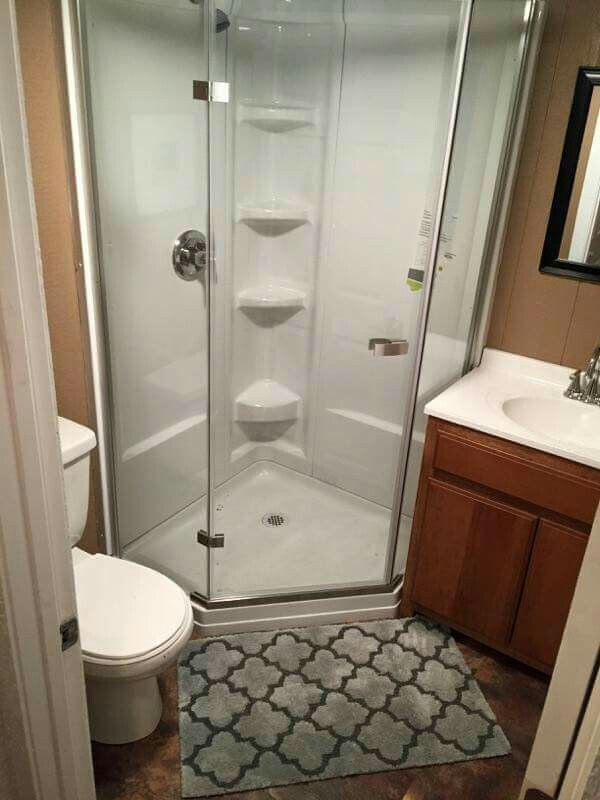 Tiny home living barn style bathroom Salle de bain couloir