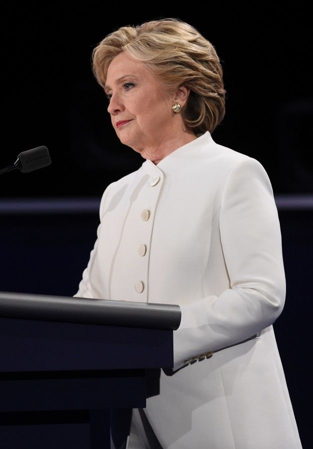 People Are Freaking Out About Hillary Clinton's All-White Pantsuit #whitepantsuit