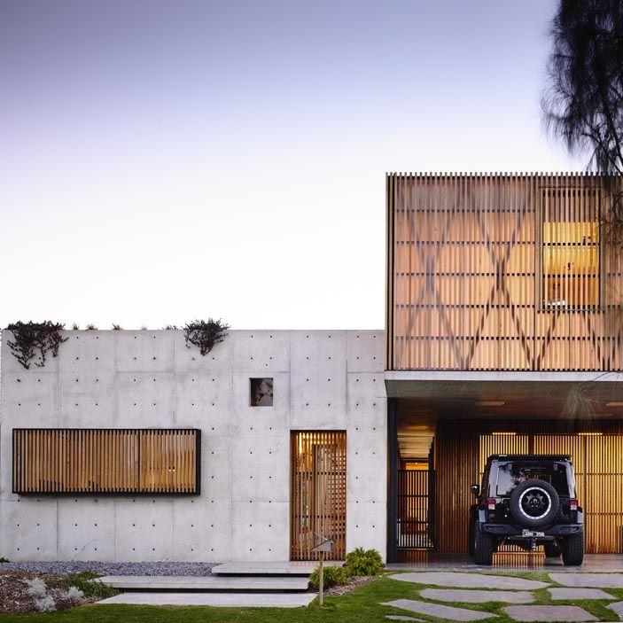 The Interior Design Institute | Holzlamellen Fassade | Pinterest ...