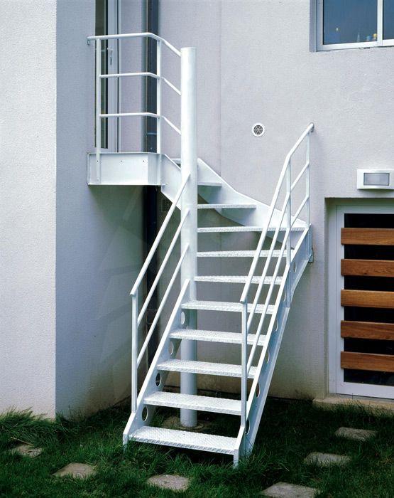 Escalier Exterieur 1 4 Tournant Au Look Industriel Escaliers