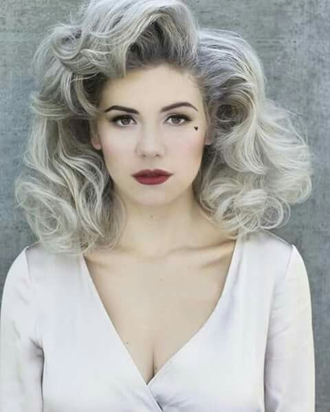 Ace Linguist: Dialect Dissection: Marina and the Diamonds
