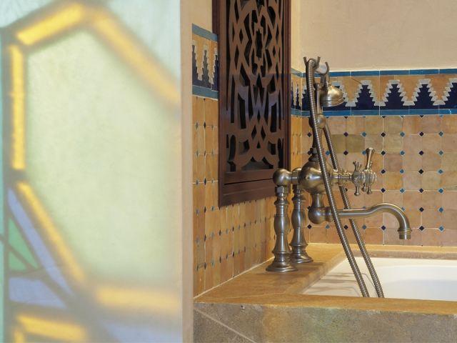 Une salle de bains à l\'orientale dédiée au bien-être   Oriental ...